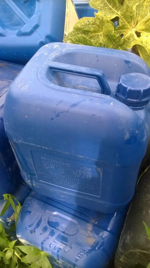 vỏ can nhựa xanh 20l